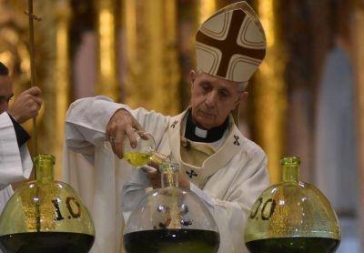 El Card. Poli exhortó a los sacerdotes a prestar un servicio de mediación