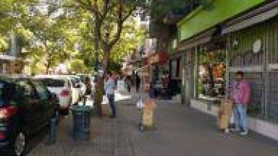Panorama político platense: Municipio promete erradicar venta ilegal atendiendo un reclamo intenso
