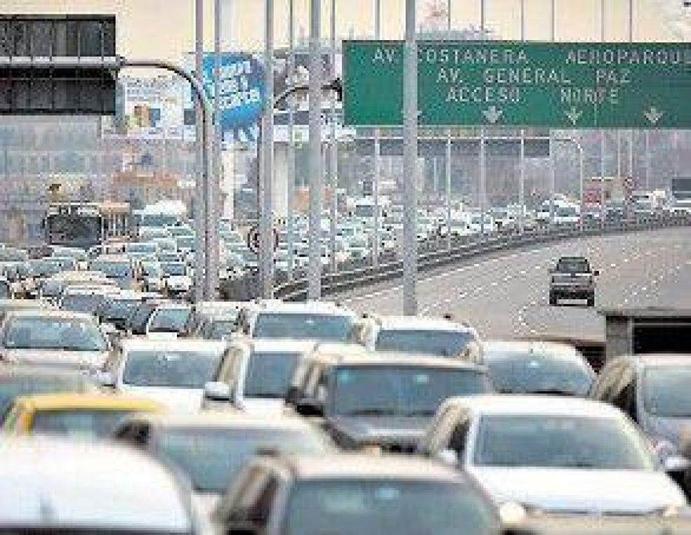 Suben entre el 15 y 25% los peajes de las autopistas porteñas