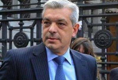 Domínguez insiste por las primarias en el peronismo