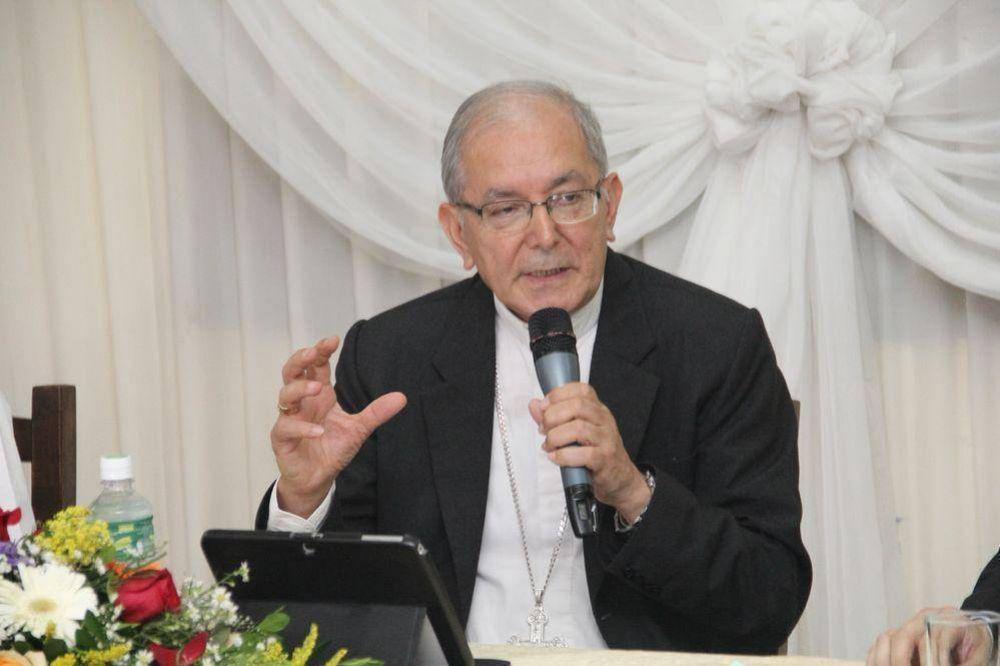 Arzobispo pide a Efraín Alegre que asista a la mesa de diálogo