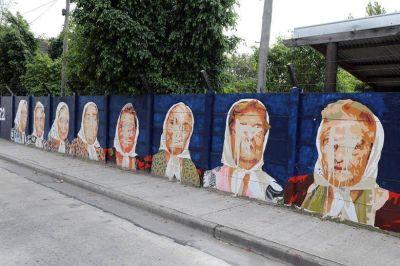 Atentado contra los DDHH: pintan un mural con la imagen de las Madres