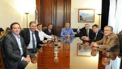 Randazzo se reunió con senadores del PJ, pidió PASO y se mostró dispuesto a jugar