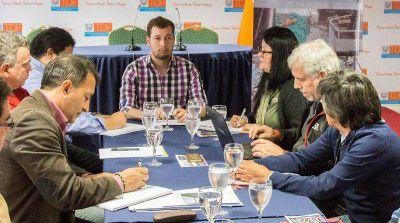 Continúa el análisis de los proyectos de construcción de muelles en Almanza y Ushuaia