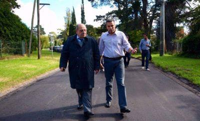 Comenzaron las obras de pavimentación de calles en Sierra de los Padres