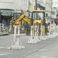 Siguen adelante los trabajos de bacheo en calles del centro