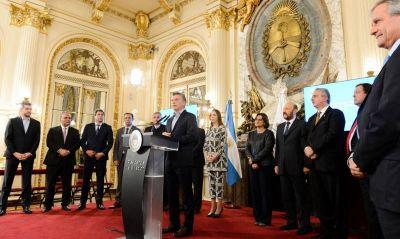 Insfrán entre los gobernadores que firmaron el Compromiso Federal para la Modernización del Estado