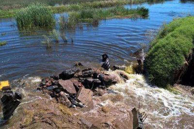 Crecen la tensión con Verna: La Pampa presiona para que el agua escurra hacia Buenos Aires
