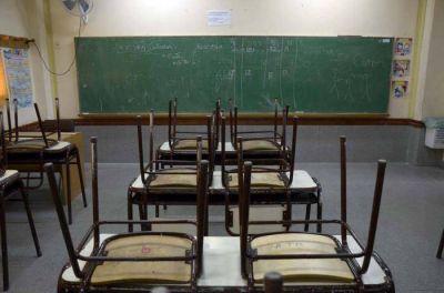 Denuncian que el gobierno no arregló las escuelas