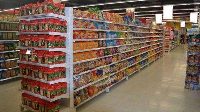 Consumo en supermercados cayó 5,6% en marzo, con fuerte peso de alimentos