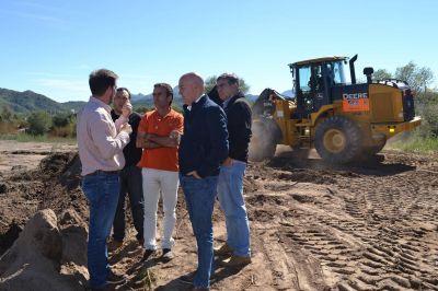 Juana Koslay: reparan calles del B°274, dañadas por las últimas lluvias