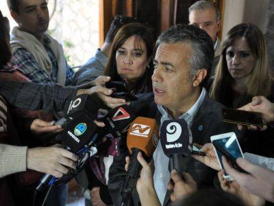 Adopciones: Cornejo pidió solidaridad con los más grandes