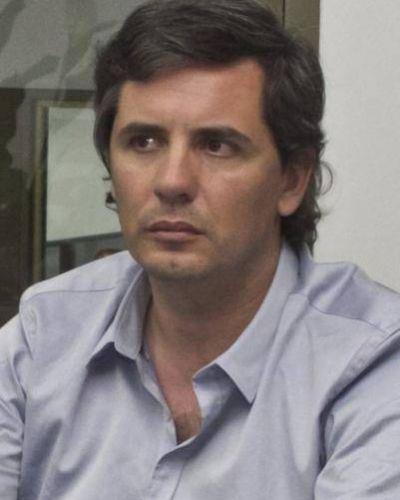 """""""Garrido va a sacarse fotos adonde hay necesidades"""""""