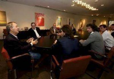Turismo: Santos y Schiaretti recibieron a comitiva española que busca invertir