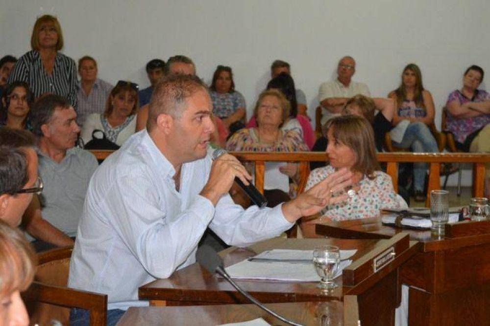 Cruce entre Antón y Baier por el último discurso del intendente y la compra de tierras