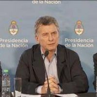 """Macri visitó Paraná y reiteró que la paritaria salarial docente """"corresponde a cada gobernador"""""""