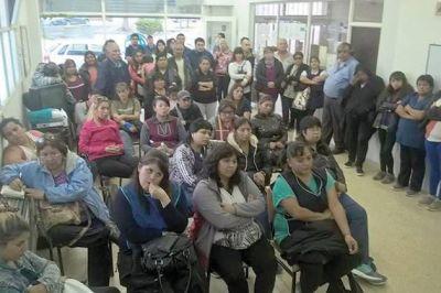 Si no se convoca a paritarias el martes habrá paro de auxiliares de educación