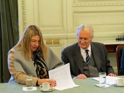 La Gobernadora firmó un convenio con la Secretaría Culto de la Nación