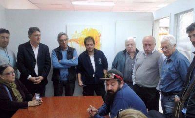 Afiliados a la obra social UP llevaron a la Defensoría del Pueblo sus reclamos por el corte de atención médica