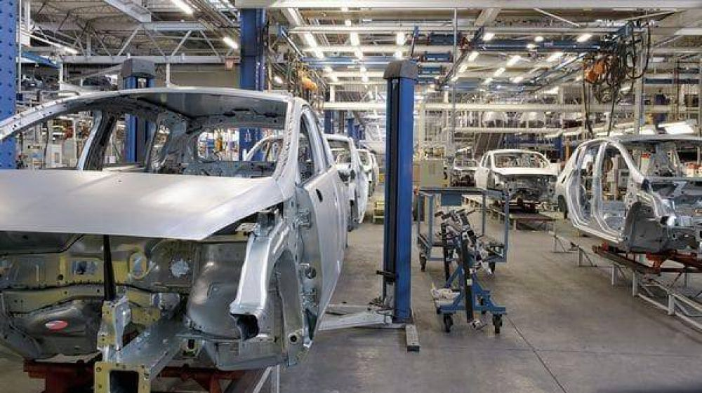 La actividad industrial acumuló en marzo 12 meses consecutivos de receso