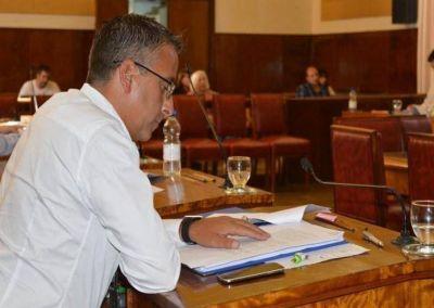 Azcona propone soluciones para garantizar la limpieza de los arroyos