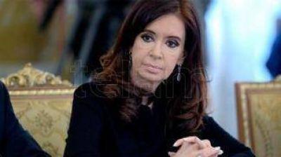 Cristina Kirchner obtuvo el visto bueno de Ercolini para salir del país, pero falta que la autorice Bonadío