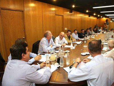 En búsqueda de la unidad: Espinoza convocó a todo el peronismo platense en la sede del PJ provincial