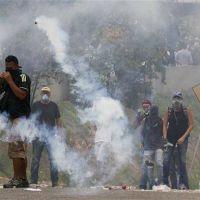 Caracas se hunde en un clima de batalla campal permanente