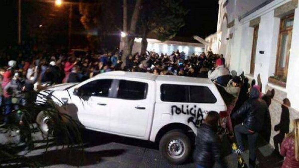 Cristina Kirchner estuvo recluida con la gobernadora de Santa Cruz durante los graves disturbios