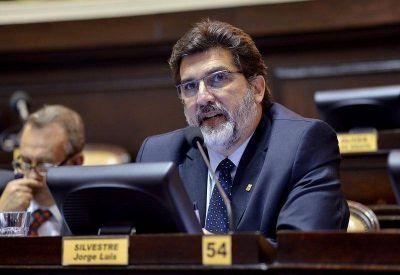 """Silvestre: """"Los intendentes del Conurbano están encerrados en sus propias contradicciones"""""""