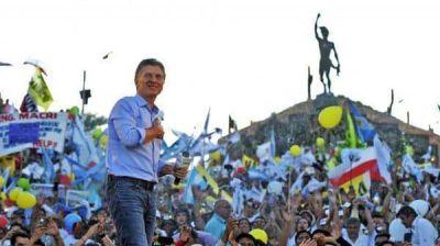 Mauricio Macri pasa a la ofensiva: el 1º de mayo hablará en un acto en Ferro