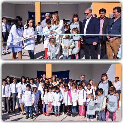 La Gobernadora inauguró una escuela y Jardín de Infantes en Los Miranda