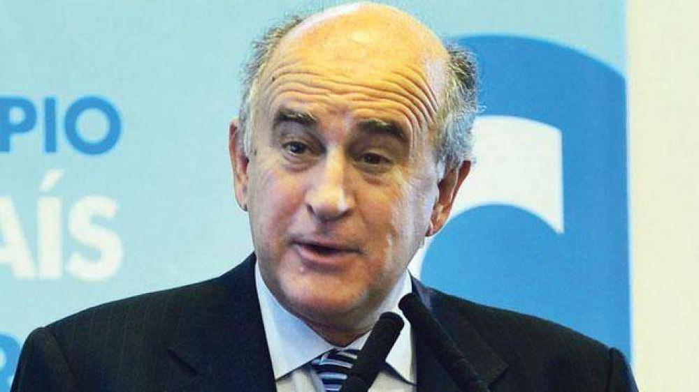 Parrilli también acusó a Cambiemos y Frigerio reclamó pruebas de eso