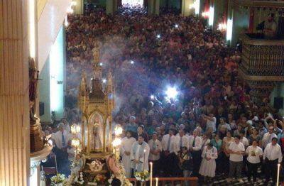 Cientos de fieles participaron de la tradicional bajada de la Virgen del Valle