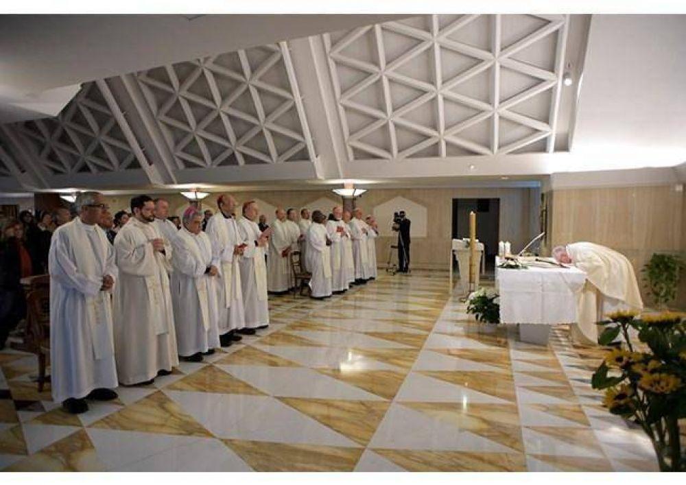 Homilía del Papa Francisco: el Espíritu Santo nos hace libres