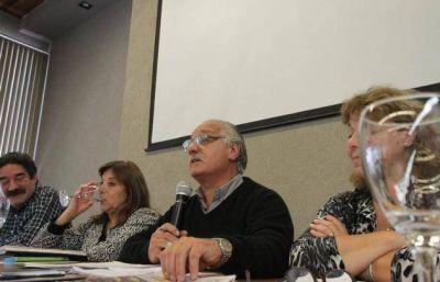 La Provincia y los docentes firmaron el acuerdo salarial