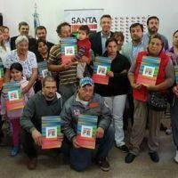 La provincia entregó subsidios en Firmat y Teodelina