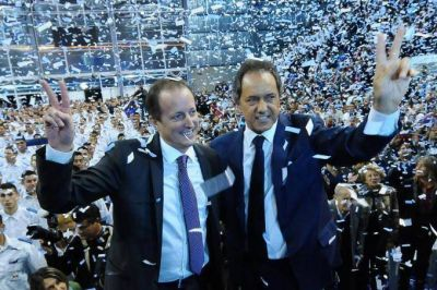 "El PJ e Insaurralde se alinean con Scioli, que ya advierte sobre ""la segunda etapa del ajuste"""