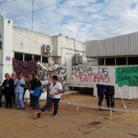 Empleados de Clínica San Pablo hacen paro y olla popular en Ramallo