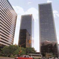 A fin de año, las torres corporativas deberán incorporar energías limpias