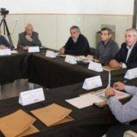 Políticas forestal e industrial, acciones en salud, situación hídrica, temas de la reunión de Intendentes