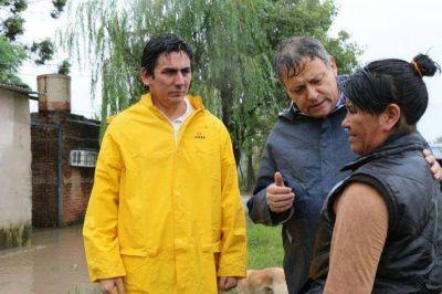 El gobernador recorrió los barrios de Resistencia por las lluvias