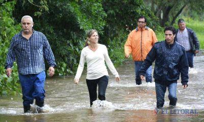 Candidatos recorrieron los barrios afectados por las inundaciones