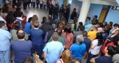 Trabajadores de la salud insisten con los reclamos