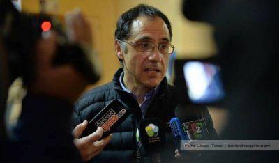 Wisky pide urgente tratamiento de la emergencia para la cadena de la pera y la manzana aprobada por el Senado