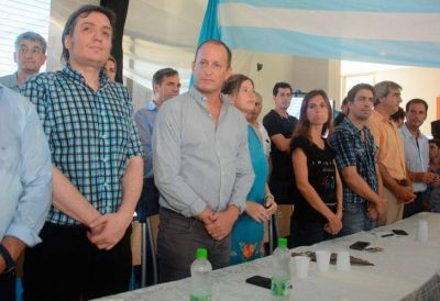 El kirchnerismo agrupa a intendentes y busca alinear a Randazzo