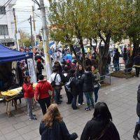 Mesa de Unidad Sindical manifestó en las puertas del Banco Santa Cruz