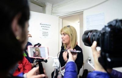 La titular del CPE negó los descuentos docentes y dijo que no negociará sin los alumnos en las aulas