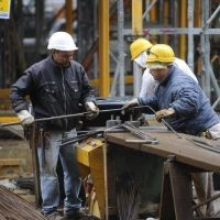 Construcción cierra al 21% y se imponen las paritarias con cláusula gatillo