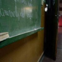 La Justicia ordenó a devolver a los docentes los descuentos por huelga y llamó a los maestros a no parar por 30 días